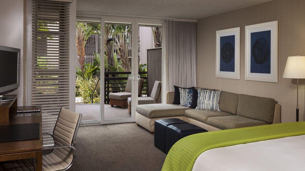 Hyatt-Regency-Mission-Bay-P155-King-Guestroom_1280x720